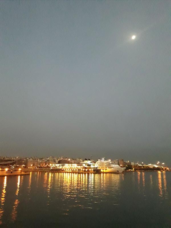 Svitanje u Pireju