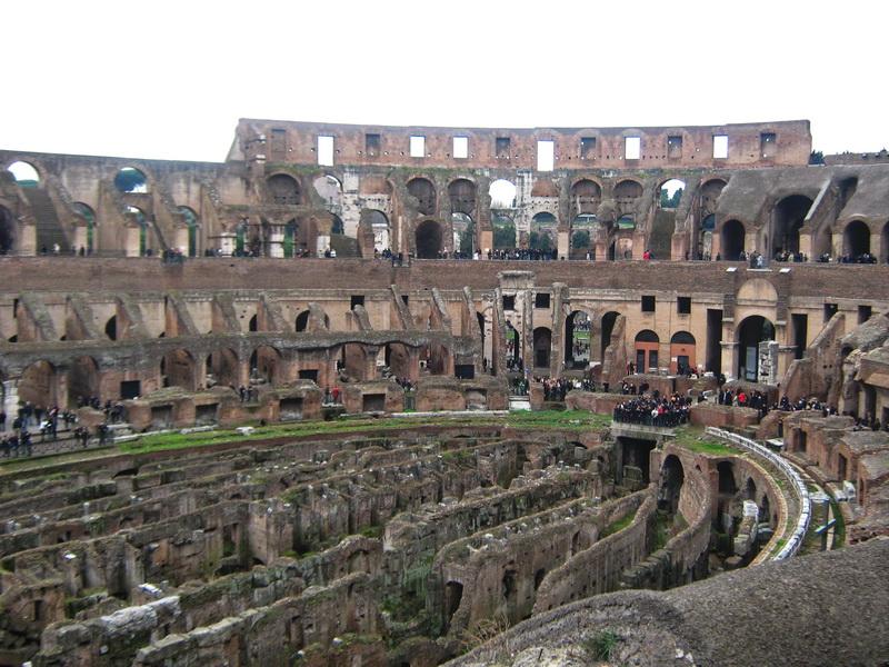 Koloseum Rim pogled na arenu
