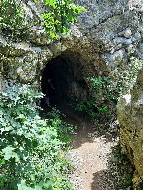 Tunel u kanjonu Nere