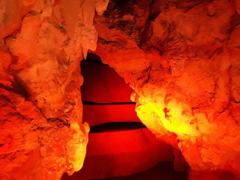 Pećina osvetljenje